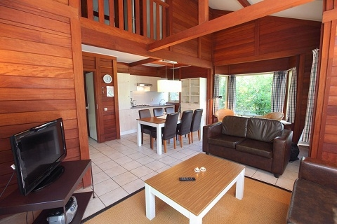 8-persoons bungalow Hout Comfort