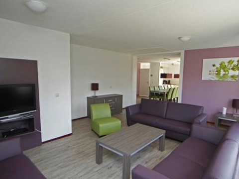 12-person group accommodation Comfort